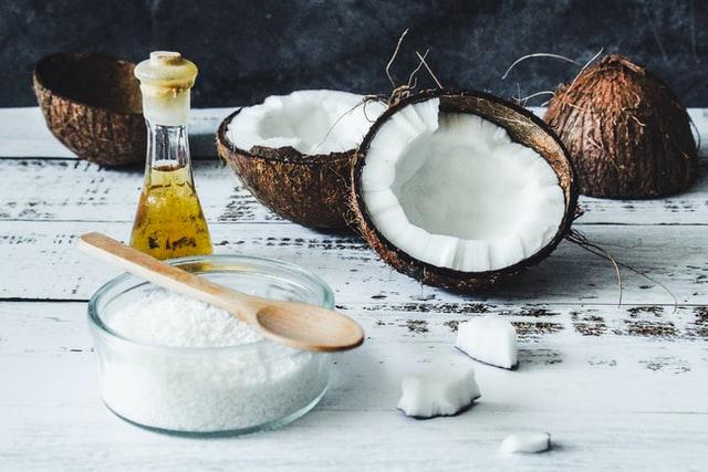 ココナッツオイルにも中鎖脂肪酸が含まれるが、60パーセントほど。